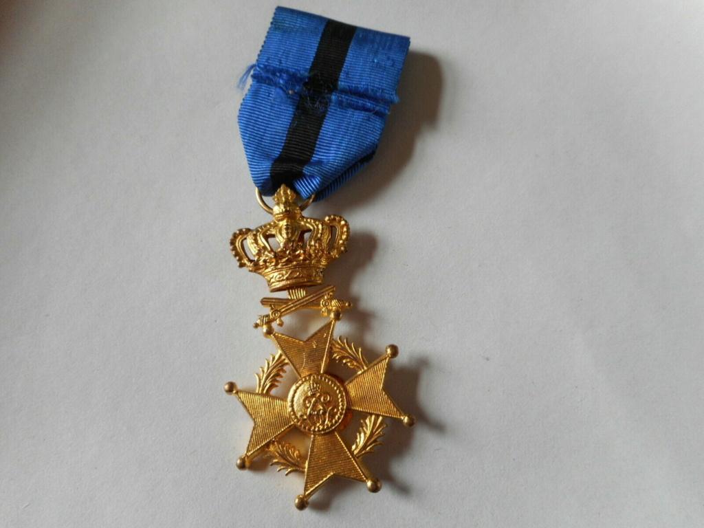 Officier de l'ordre de Léopold II version militaire? B10
