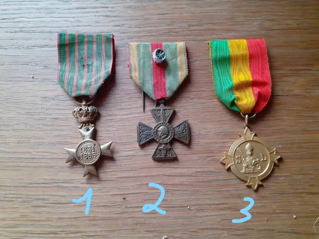 Médaille à identifier et estimer. Inked212