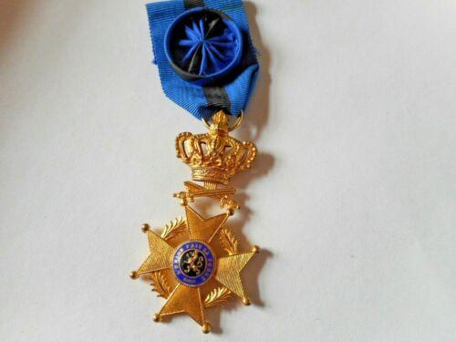 Officier de l'ordre de Léopold II version militaire? Leo_210