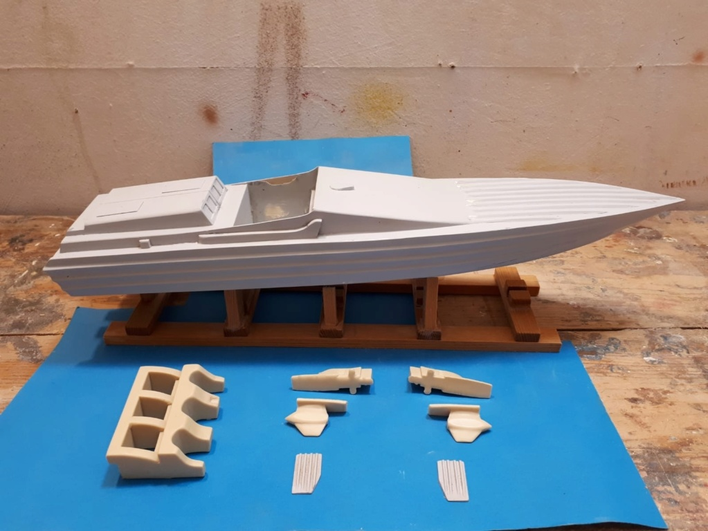 "CUV38 ""Trussardi"" Modell13"