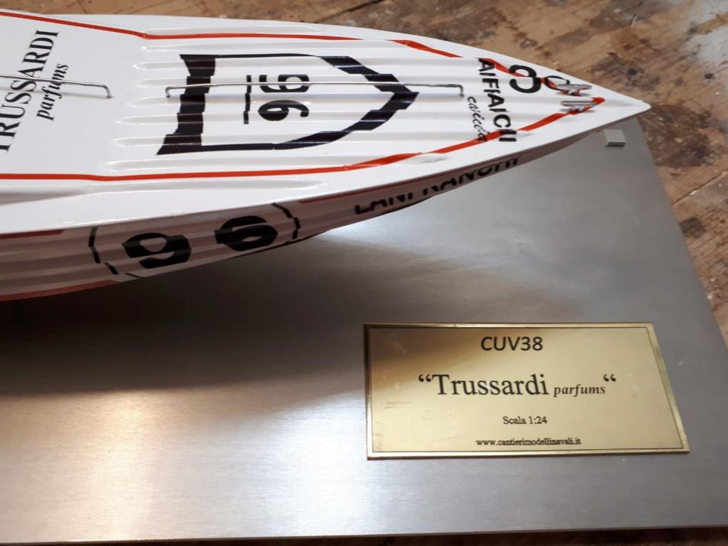 "CUV38 ""Trussardi"" Modell30"