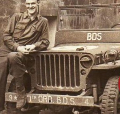 Jeep willys OD et rouge  D54c0110