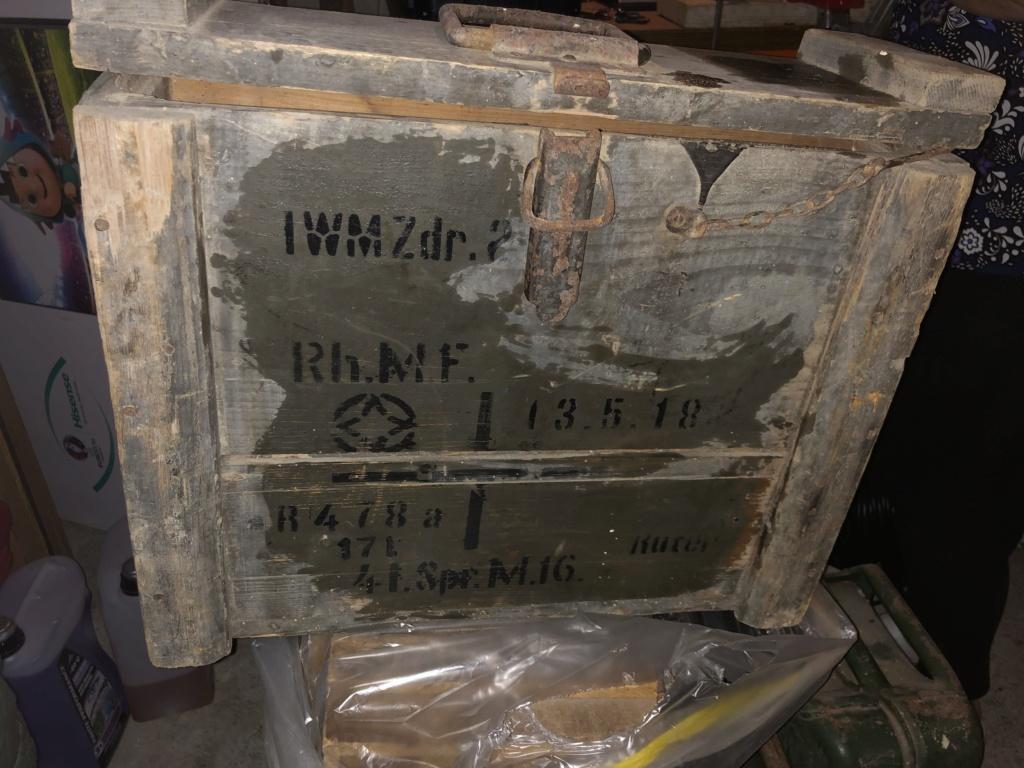 Caisse allemande, casque GN et morceau bombe 776e8f10
