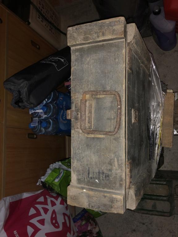 Caisse allemande, casque GN et morceau bombe Ec560e10