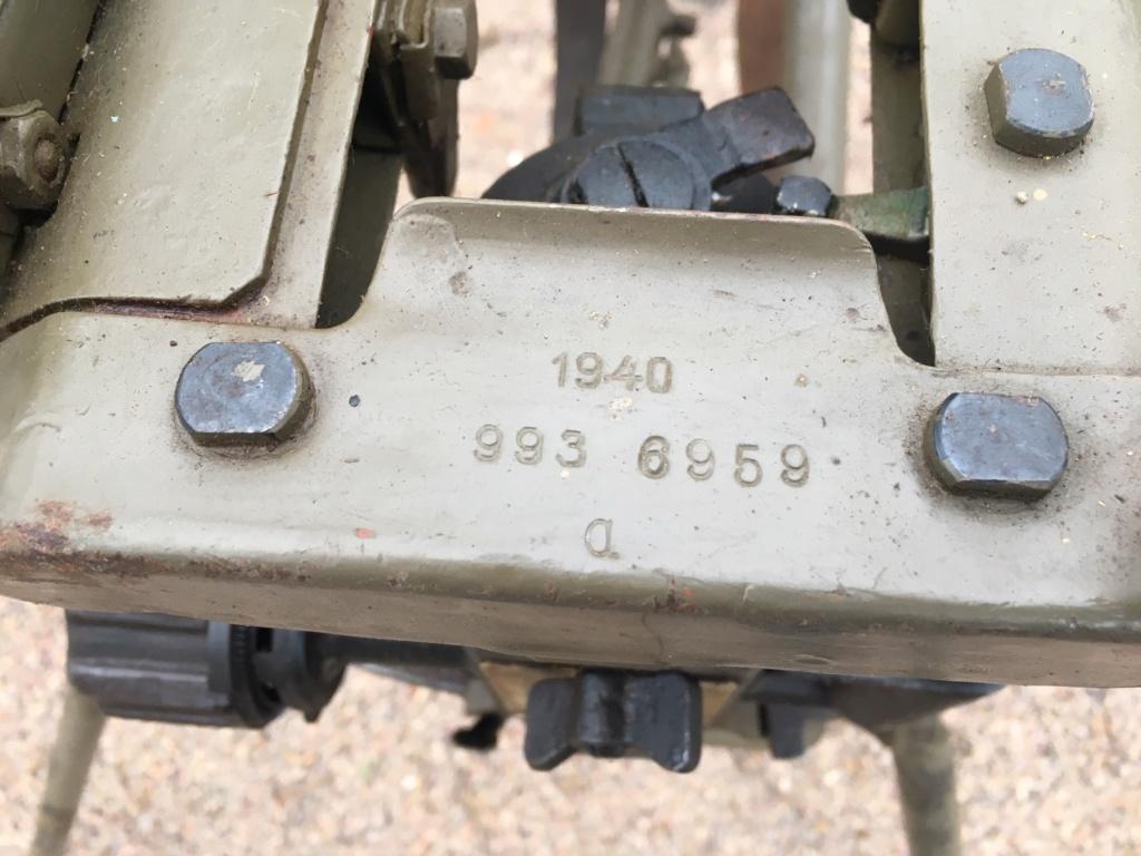 affut lourd pour MG 42 daté 1940/42 Img_1336
