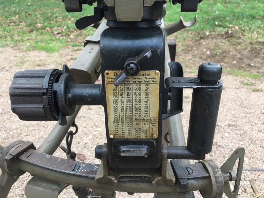 affut lourd pour MG 42 daté 1940/42 Img_1337