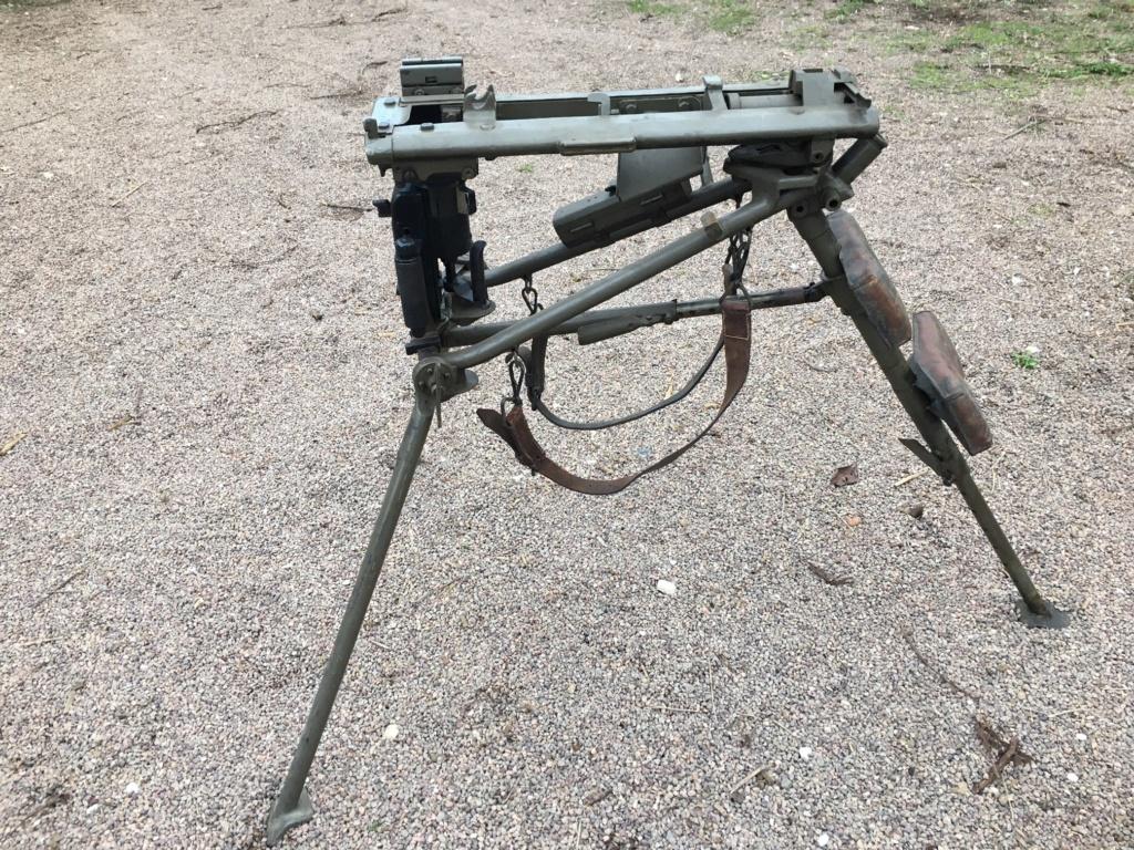 affut lourd pour MG 42 daté 1940/42 Img_1338