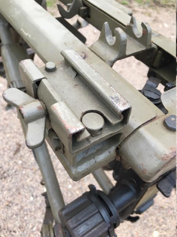 affut lourd pour MG 42 daté 1940/42 Img_1345