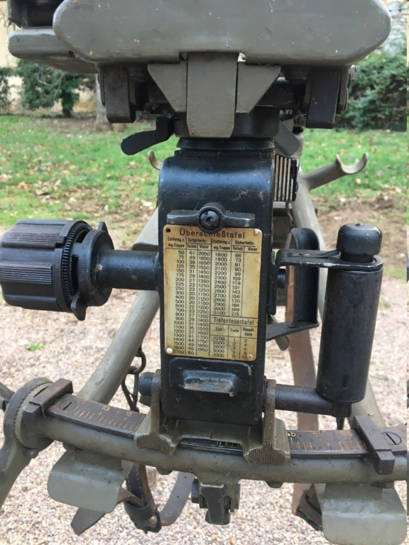 affut lourd pour MG 42 daté 1940/42 Img_1346