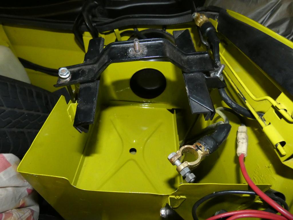 Fixation Batterie P1050613