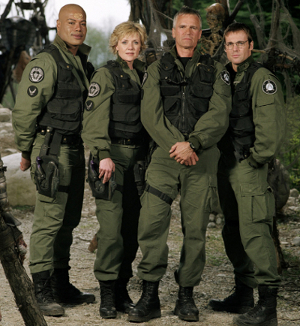 CRL - Liste des Costumes Terriens de SG-1 Crl-of10