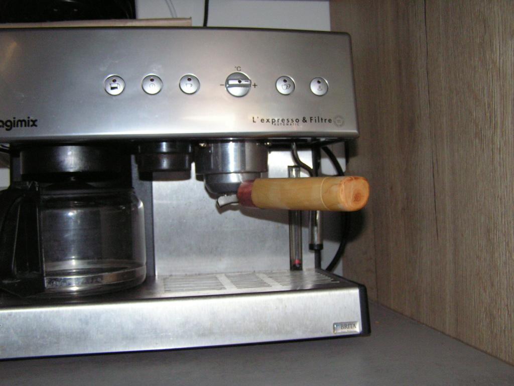 Une nouvelle poignée pour cafetière expresso Magimix    01610