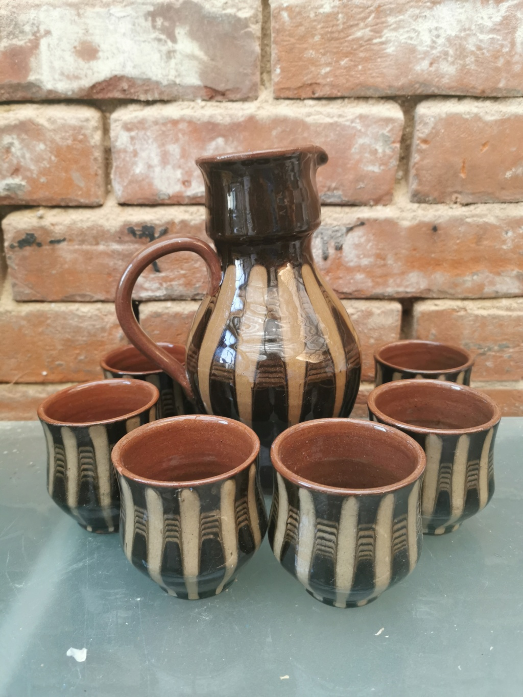 Brown and beige striped jug with little cups Img_2110