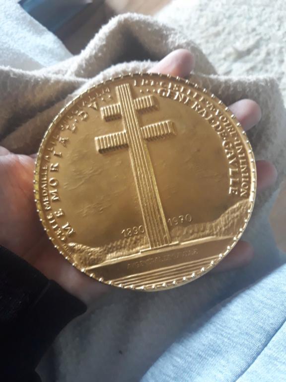 Médaille de table charle de gaulle 20190510