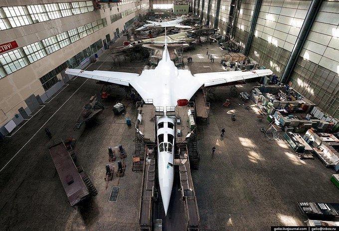 Tu-160 and Tu-95MS ( Blackjack and Bears ) - Page 35 Egoubt10