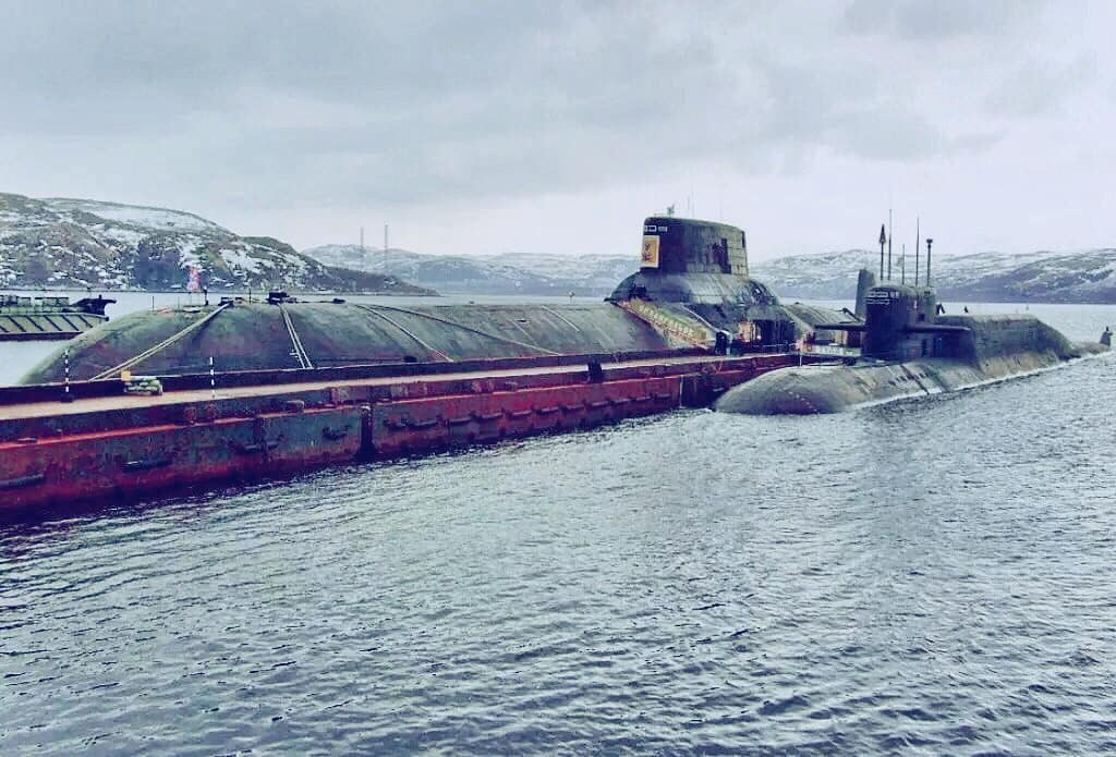 Russian Nuclear Submarine Force: Discussion - Page 17 Typhoo10