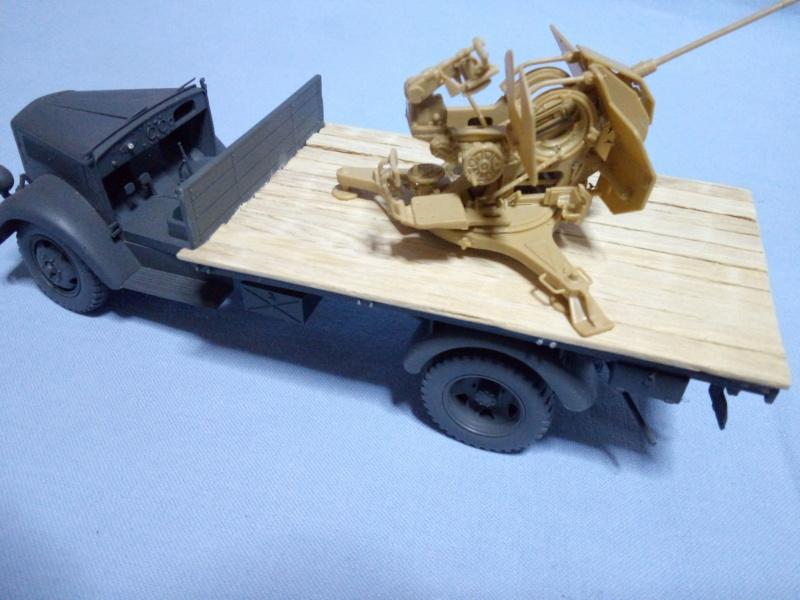 Tamiya German 3ton 4x2 Cargo Truck (Opel Blitz) με  20mm Flak 38 της Tristar Imgonl23