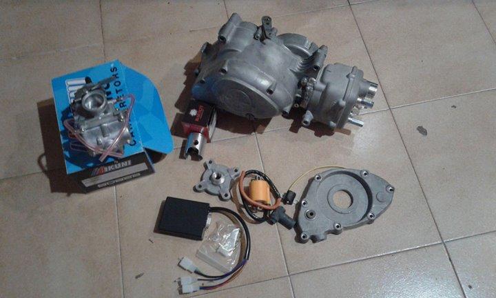 Réplica Bultaco 50 MOTUL Carmona 1982 - Página 21 28337510