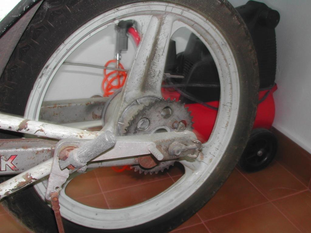 Honda MBX 75 Hurricane - Página 3 Dscn1420