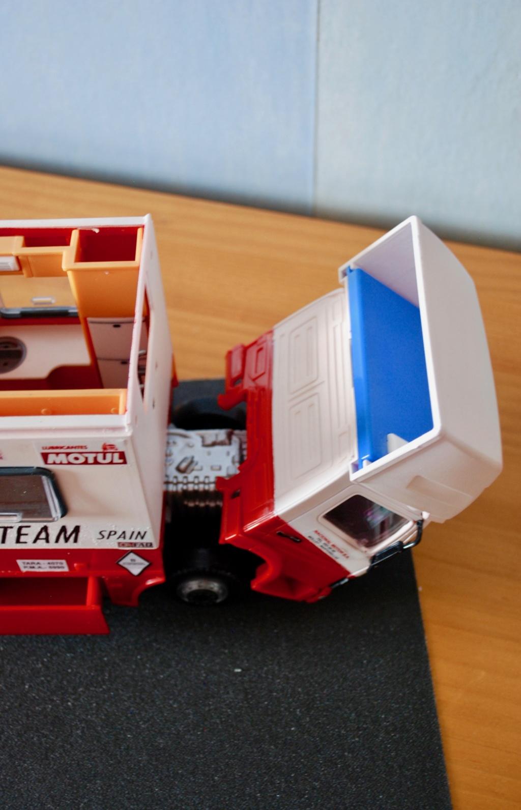 Camión Grandes Premios equipo Derbi - Página 2 Furgoa29