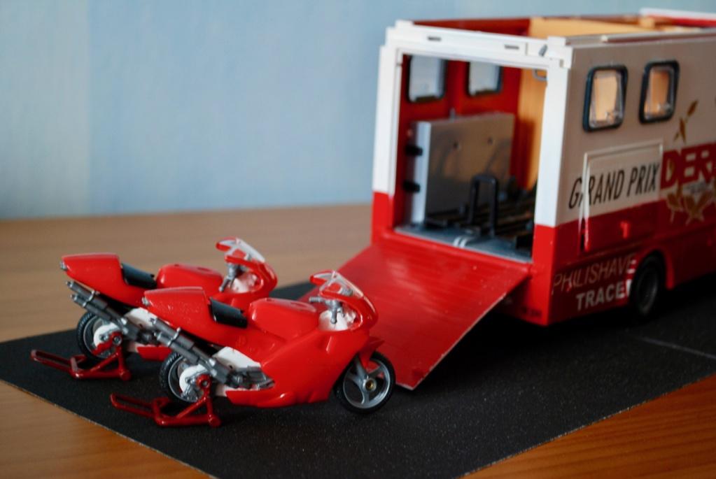 Camión Grandes Premios equipo Derbi - Página 2 Furgoa32