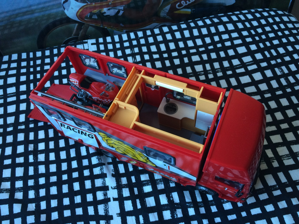 derbi - Camión Grandes Premios equipo Derbi Img_6818