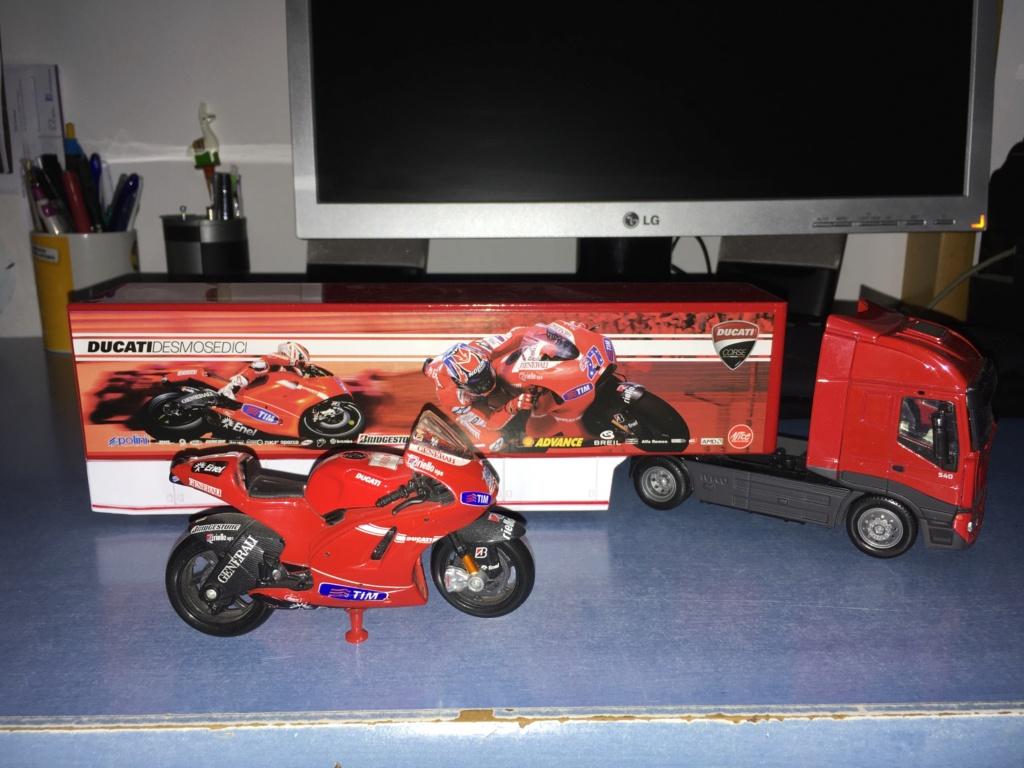 Camiones equipos de carreras de motos Img_8046
