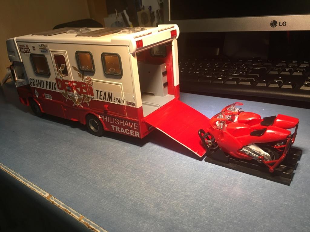 derbi - Camión Grandes Premios equipo Derbi Img_9021