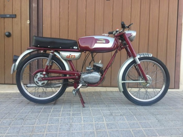 Restauración asiento ciclomotor clásico Ebf07310