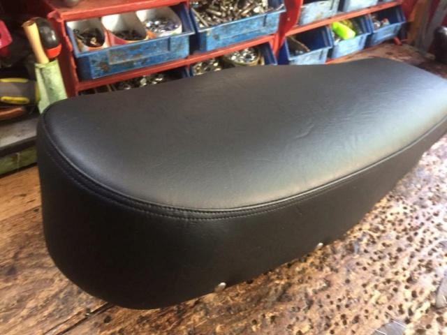 Restauración asiento ciclomotor clásico Thumbn46