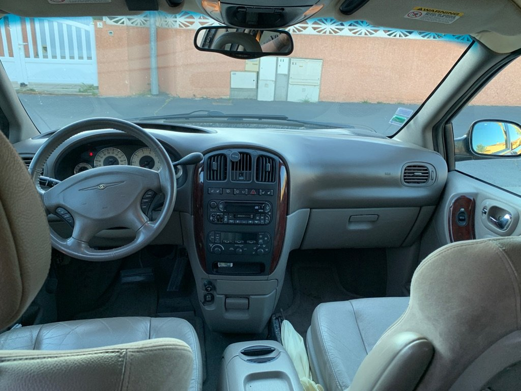 Grand Voyager 3.3 AWD Limited  8b64fe11