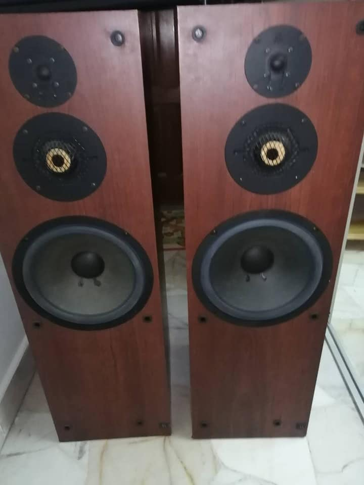 """acoustic research (ar) 302t 3 ways 10"""" floor standing speaker (sold) (used)  11627910"""