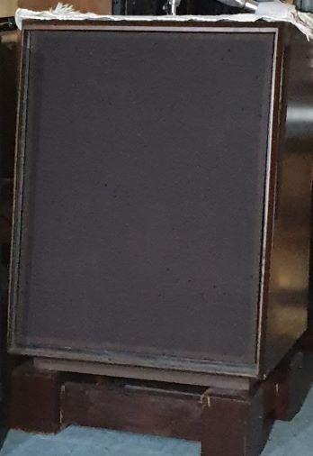 jbl studio monitor l200  speakers (used)withdraw Jbl_l213