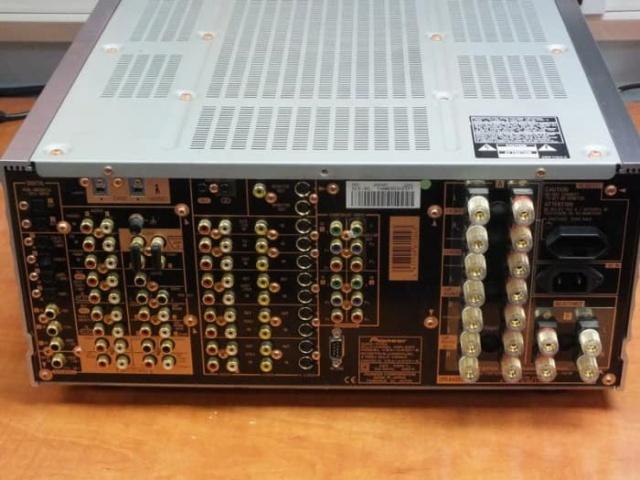 pioneer flagship home cinema amplifier (japan make)  Pionee18