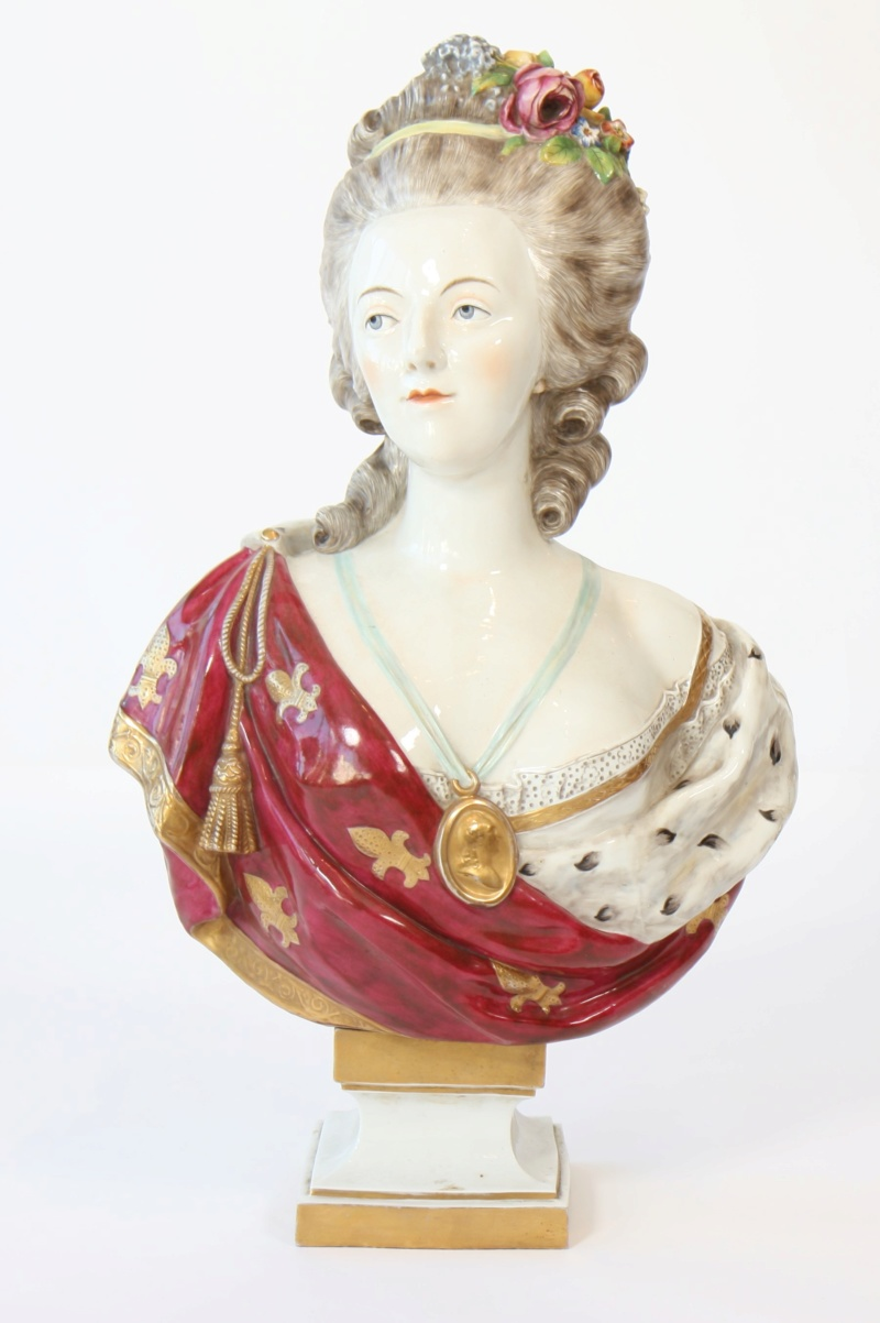 A vendre: bustes Marie Antoinette - Page 8 15398711