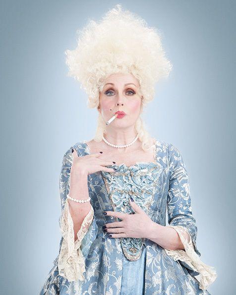 Johanna Lumley en Marie-Antoinette 6c071010
