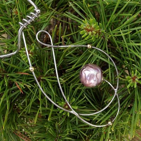 Perle sculptée en bague Edison12