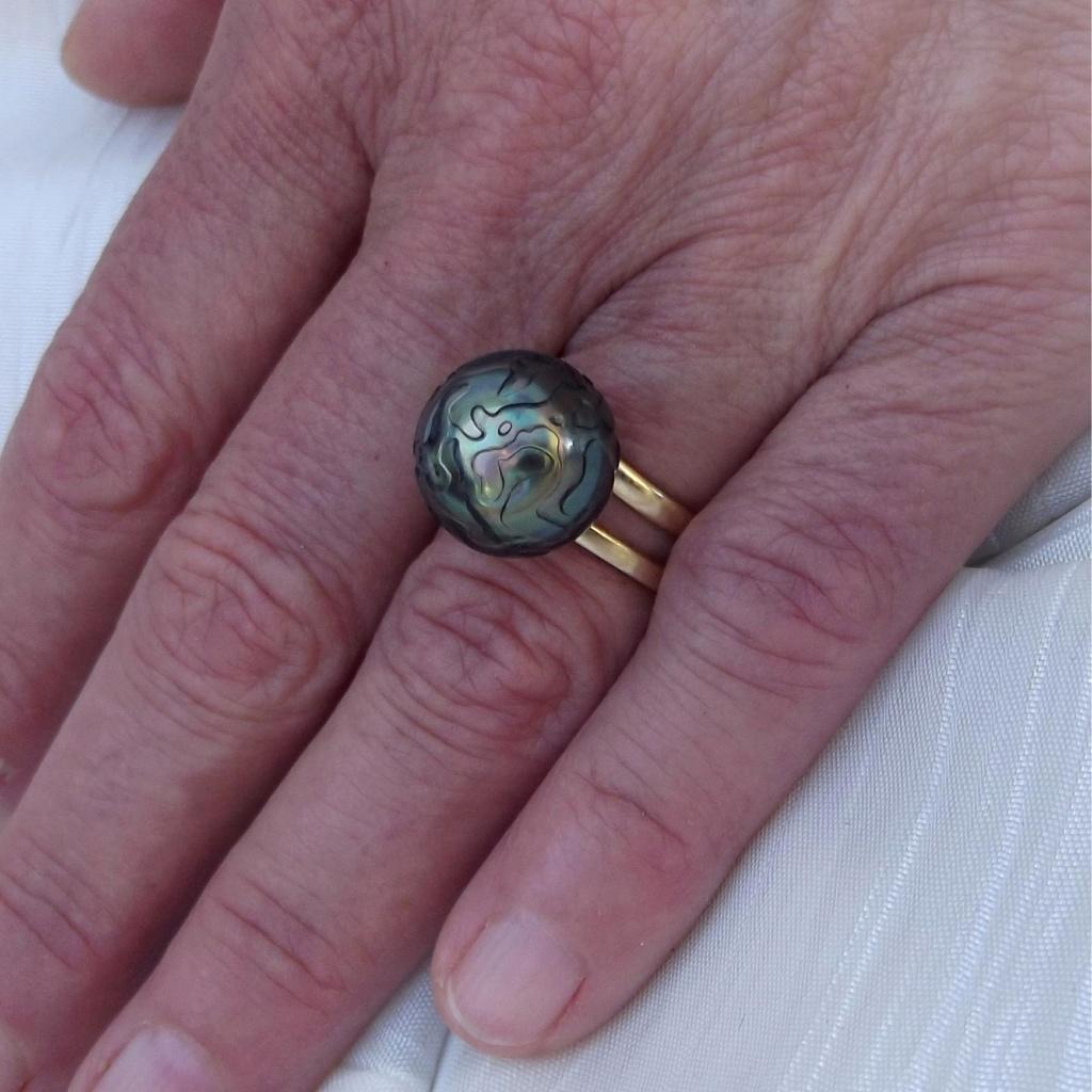 Perle sculptée en bague Tahi_111