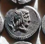 Denario de la gens Julia. L. IVLI. BVRSIO. Victoria guiando cuádriga a galope a dcha. Roma. 10a10