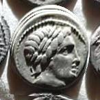 Denario anónimo. Júpiter guiando cuádriga a galope a dcha. Roma. 12a10