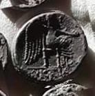 Denario de la gens Porcia. VICTRIX. Victoria sedente a dcha. Roma. 21b10