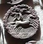 Denario de la gens Pomponia. L. LIC. CN DOM. Marte desnudo (o guerrero galo –Bituitus?) estante en biga a dcha. Narbo. 23b10