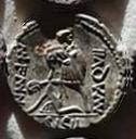 Denario de la gens Aquillia. MN. AQVIL MN. F. MN. N / SICIL. Soldado levantando a mujer arrodillada. Roma. 33b10