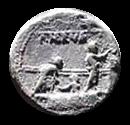 Denario de la gens Licinia. P NERVA. Tres ciudadanos romanos en el recinto de los comicios. Roma. 4b10