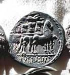 Denario de la gens Cornelia. L. SVLLA. IMP. L. Conelio Sila en una cuádriga al paso a dcha. Roma. 5b10