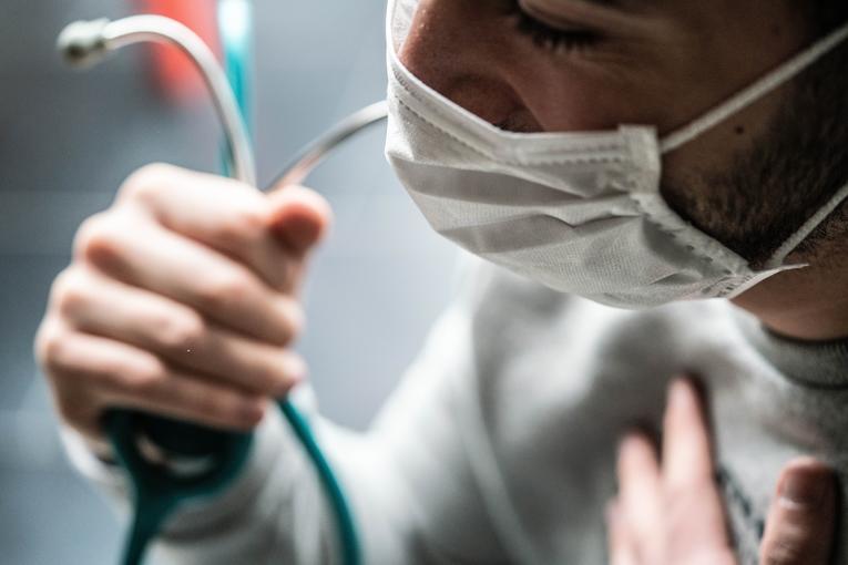 La pénurie de masques en France symbolise le délabrement du système de santé 067_3510