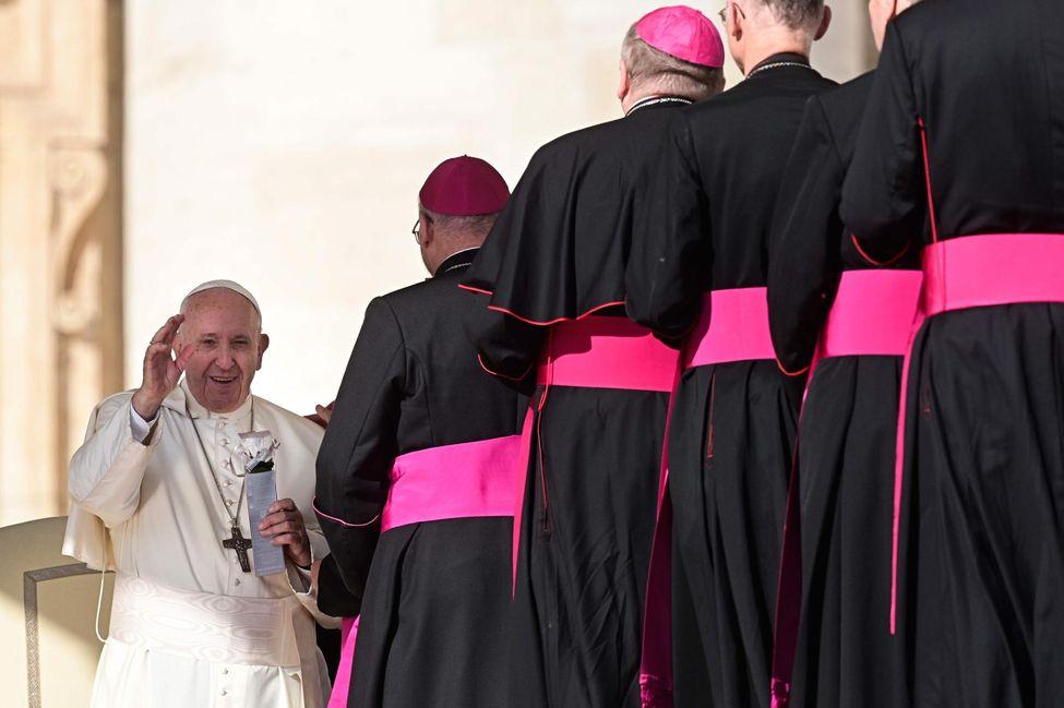 Le pape prêt à faire une croix sur le célibat des prêtres 12634110