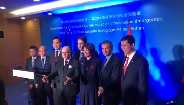 Voyage officiel du Premier Ministre en Chine, visite du laboratoire P4 de Wuhan 2-52-010