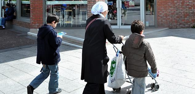 Le Sénat vote l'interdiction du voile pour les parents accompagnateurs 4904d310