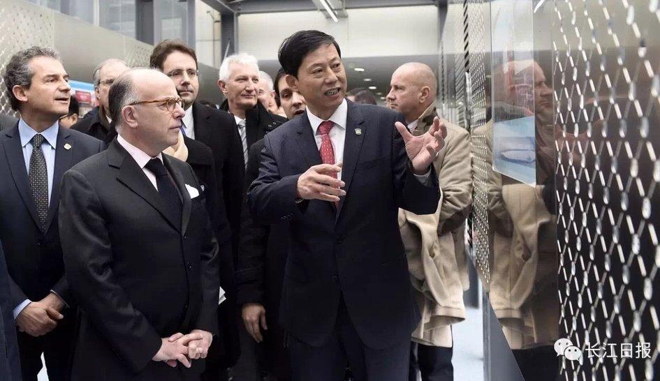 Voyage officiel du Premier Ministre en Chine, visite du laboratoire P4 de Wuhan 5-9-7710